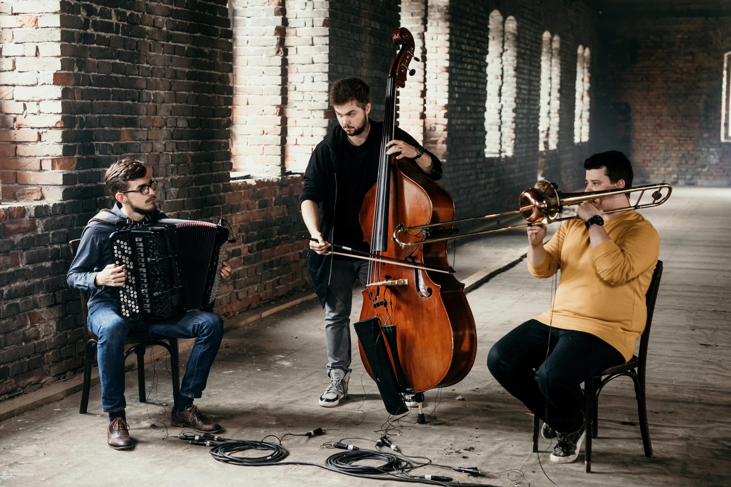 KNH-Sonntagskind 15 : Trio Treetop + Überraschung